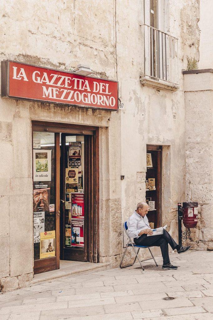 Le lecteur - Altamura, le Pouilles, Italie