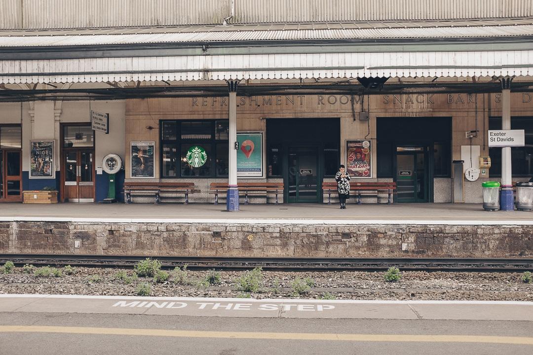 Mind the gap - Gare de Exeter - Voyage en Cornouailles, Angleterre