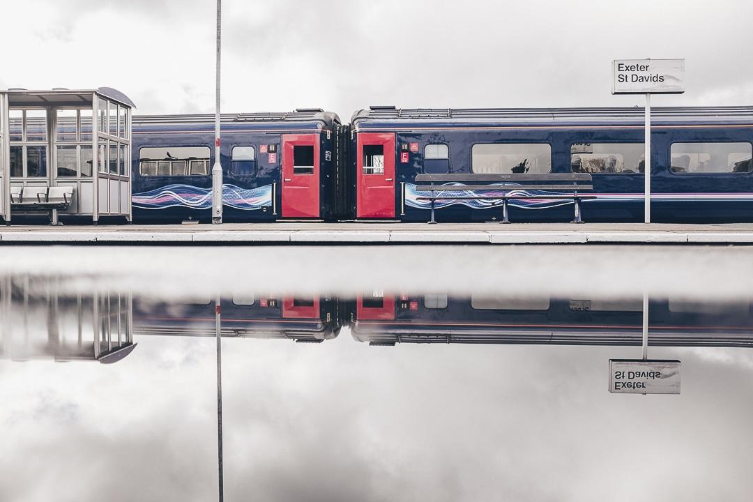 Reflet à la gare de Exeter - Direction les Cornouailles - Angleterre