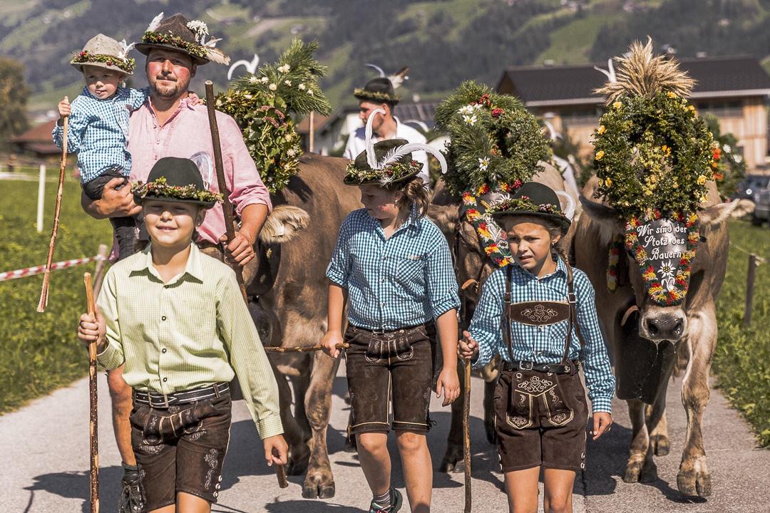 Transhumance en Autriche - Retour des alpages en famille #autriche #transhumance #tirol