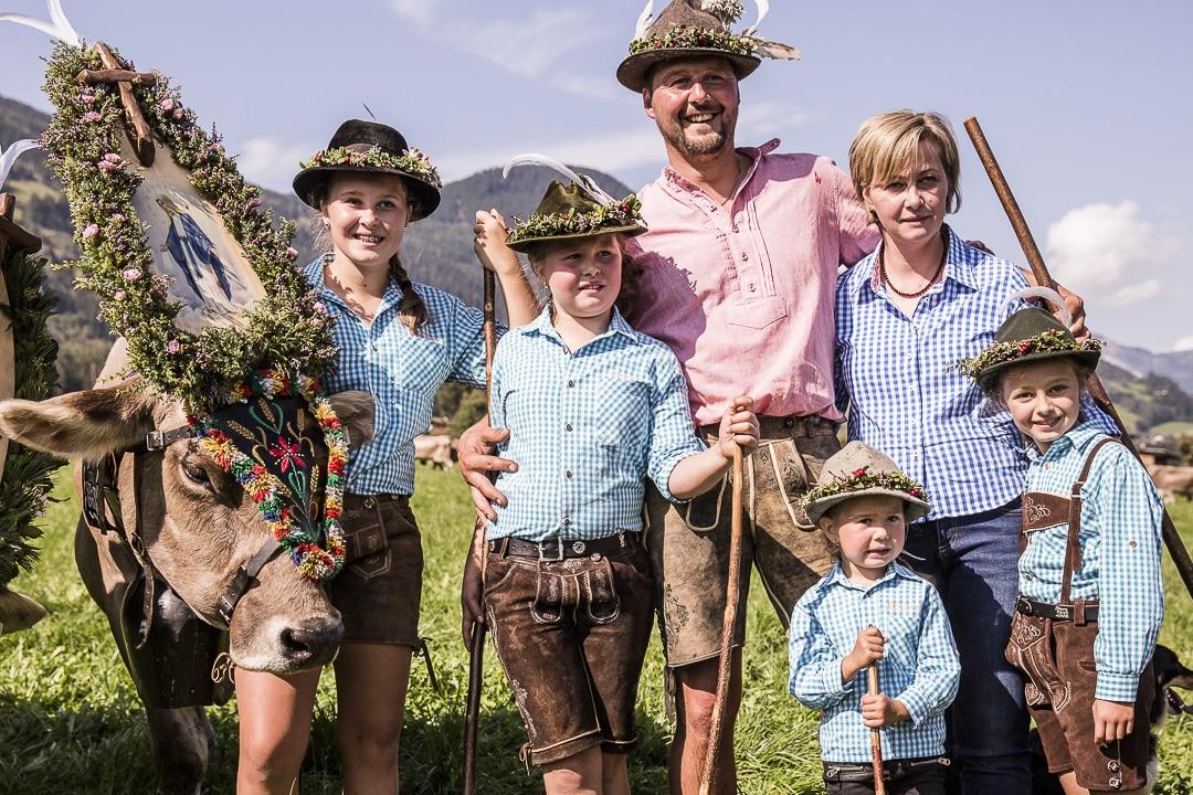 Photo de famille jour de transhumance dans le Tyrol #tyrol #autriche #transhumance