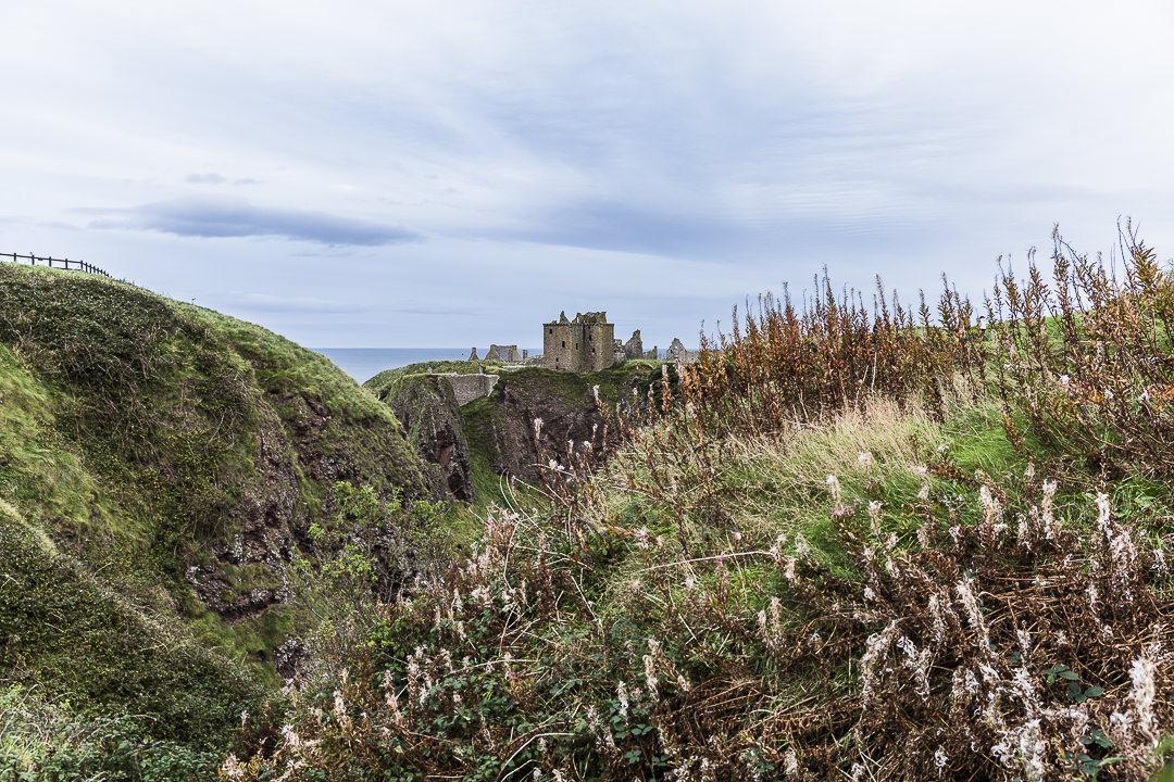 Dunnottar castle, sublimement situé en bord de mer sur la côte est de l'Ecosse, à 2 heures de route d'Edimbourg #ecosse #visitscotland #dunnottarcastle