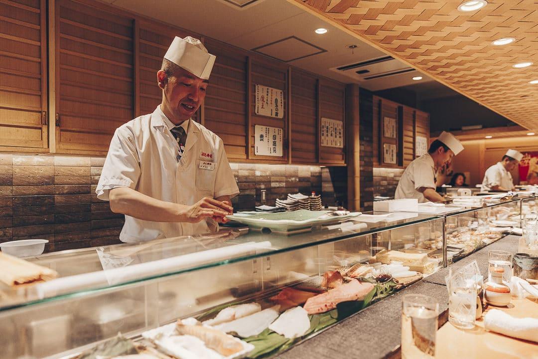 Maitre sushi à Tokyo #japon #asie