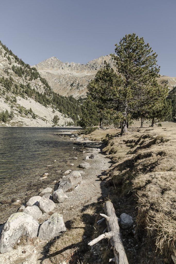 Le Lac Llong dans le parc d'Aiguestortes dans les Pyrénées catalanes #macatalogne #catalogne