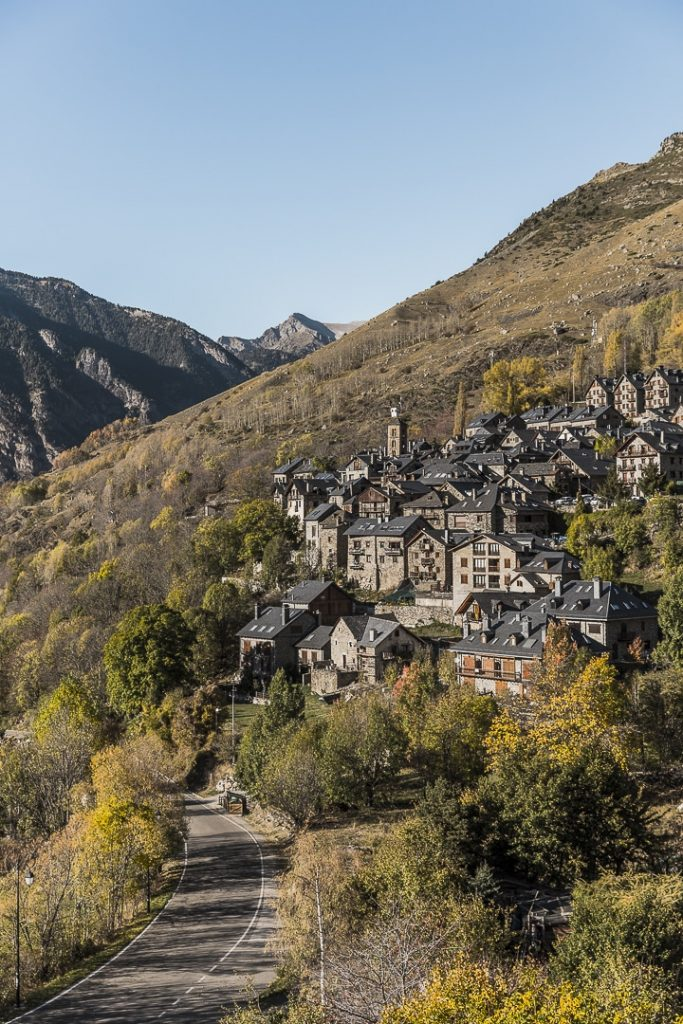 Village de Taüll vue du clocher de Sant Climent #catalogne #macatalogne #unesco