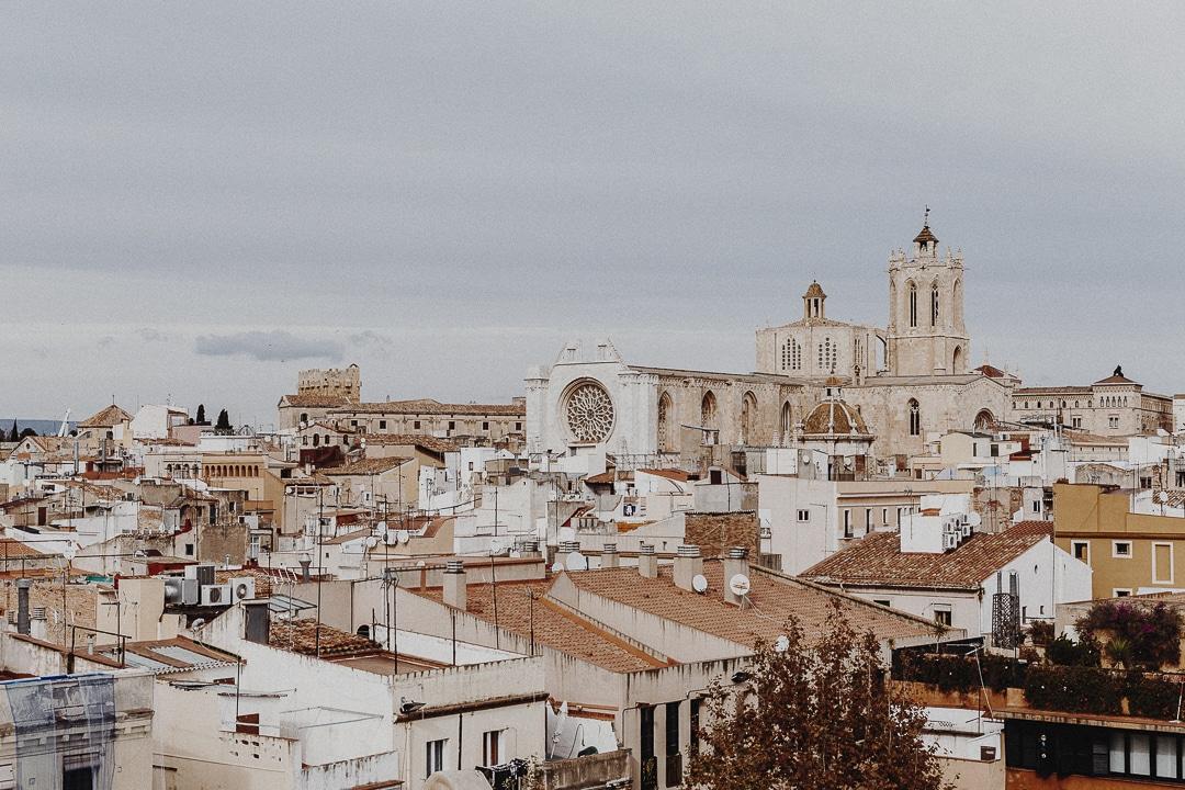 Vue sur la cathédrale de Tarragone depuis le Cirque Romain #roadtrip #catalogne