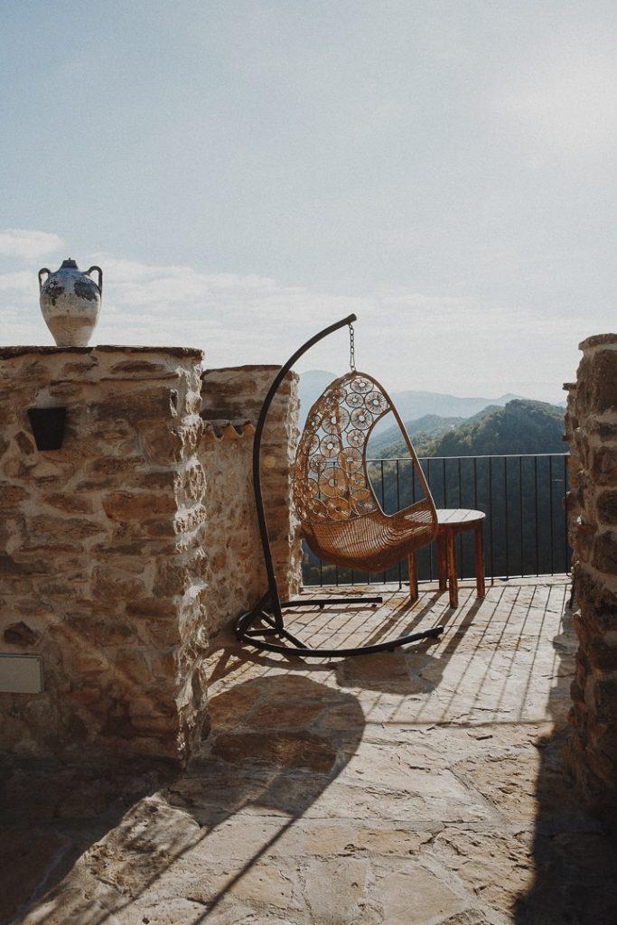 Meilleure place sur la terrasse de la chambre d'hote Casa Guilla à Santa Engracia, Catalogne #roadtrip #catalogne