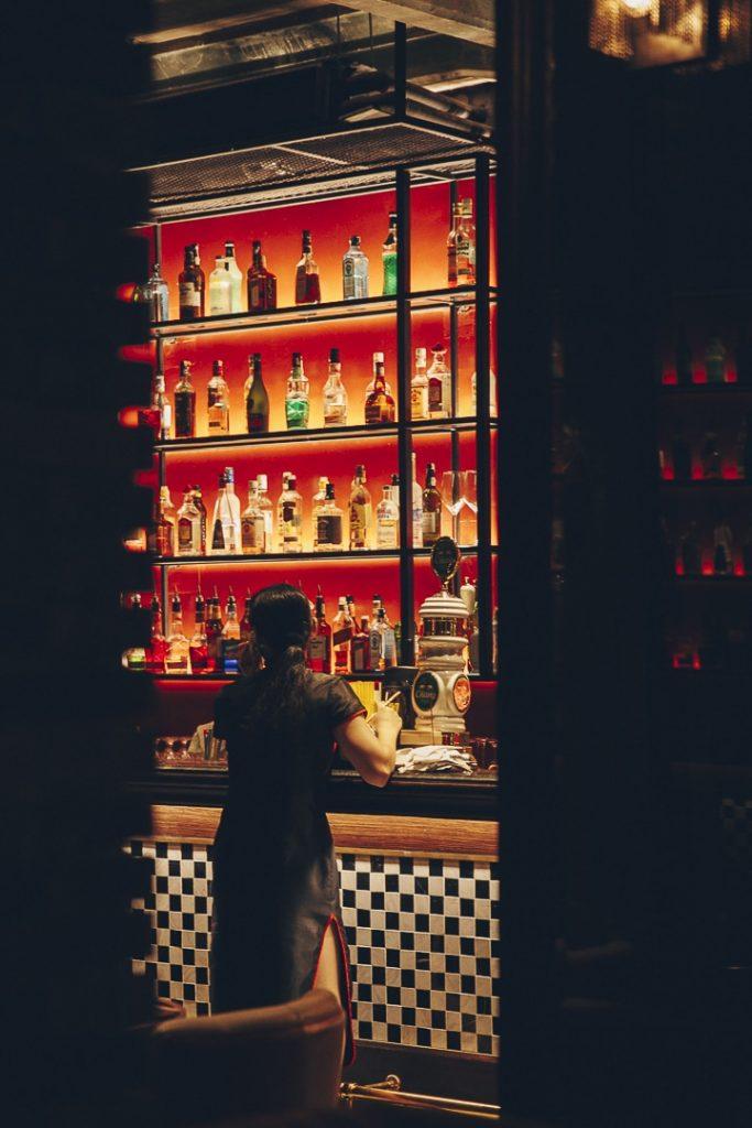 Bar du Shanghai Mansion, un hôtel historique sur Yaowarat road, en plein coeur de Chinatown à Bangkok #bangkok #thailande #guide