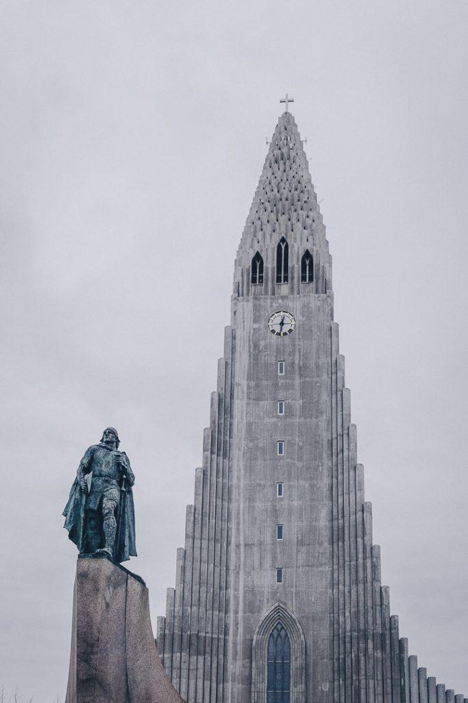 Eglise Hallgrimskirkja - Où dormir en Islande ? Revue détaillée de mes bonnes adresses sur la route circulaire #Islande #reykjavik