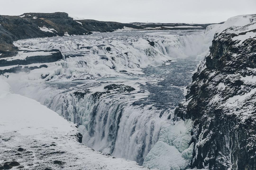 Les impressionnantes chutes de Gullfos dans le cercle d'or en islande #gullfos #islande