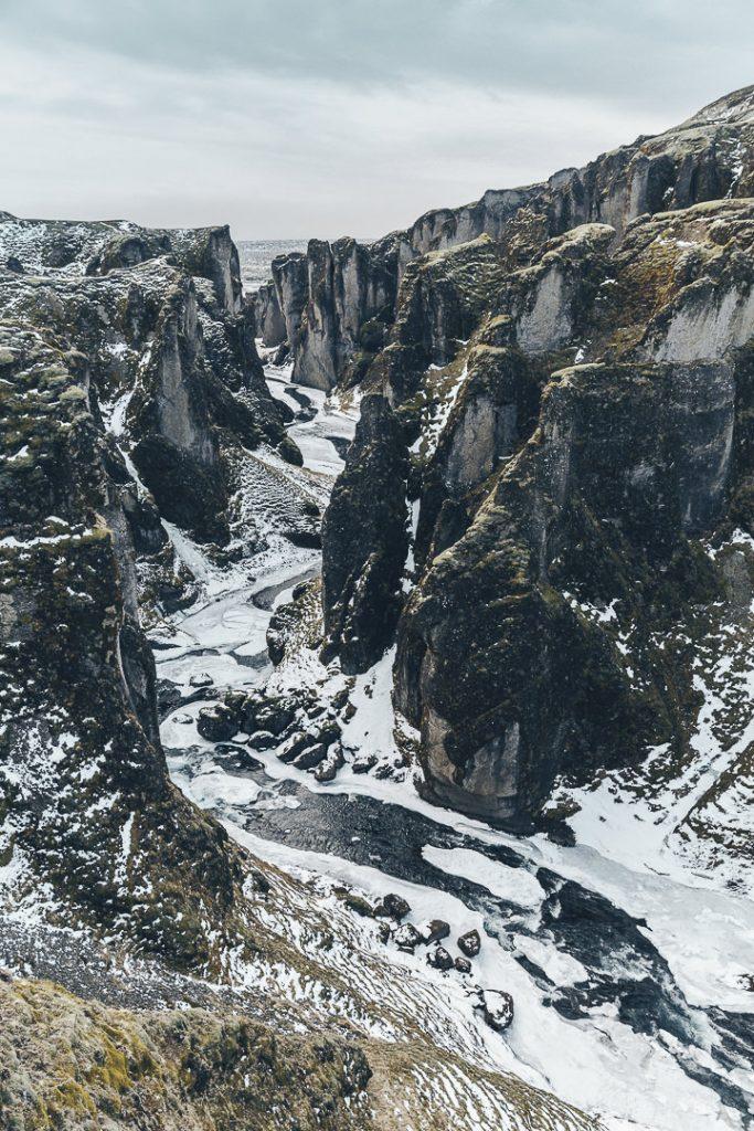 Le surprenant canyon de Fjadrargljufur - #islande #roadtrip