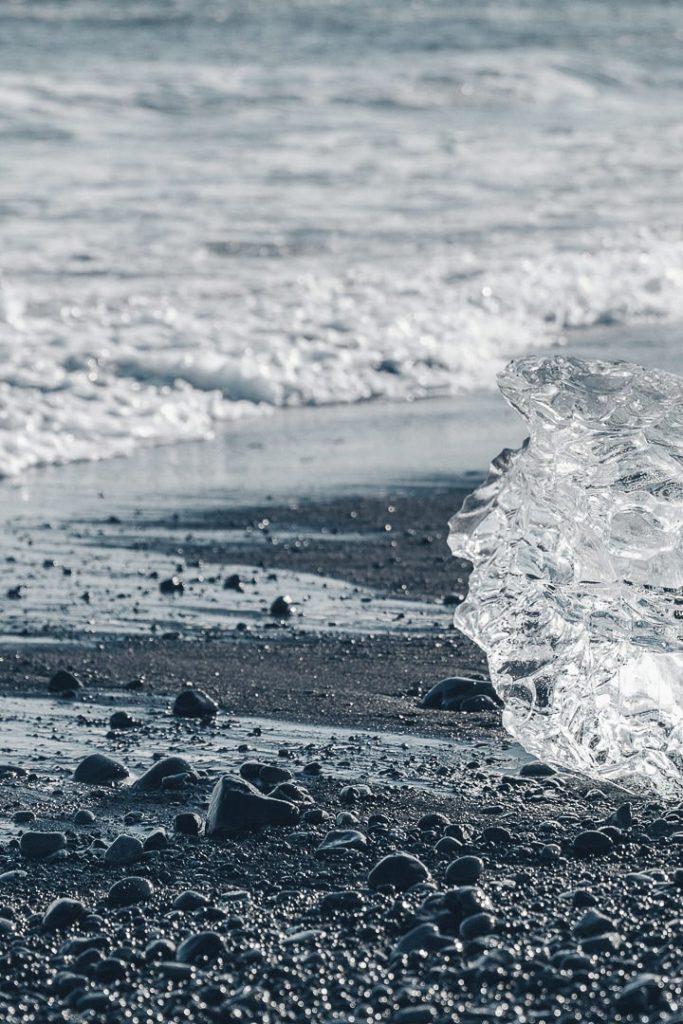 Glaçon sur la plage de Diamond beach #islande #roadtrip #diamondbeach