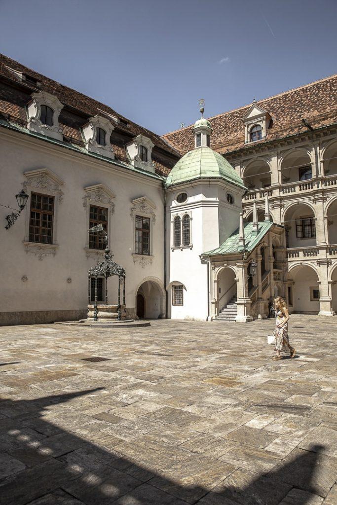 La cour intérieur du Landhaushof à Graz #graz #autriche #visitgraz