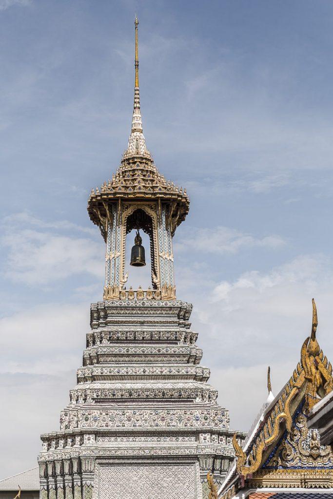 Le Wat Phra Kaew est le temple le plus sacré à Bangkok car il abrite le bouddha d'émeraude. A faire lors d'une première visite à bangkok #thailande #bangkok