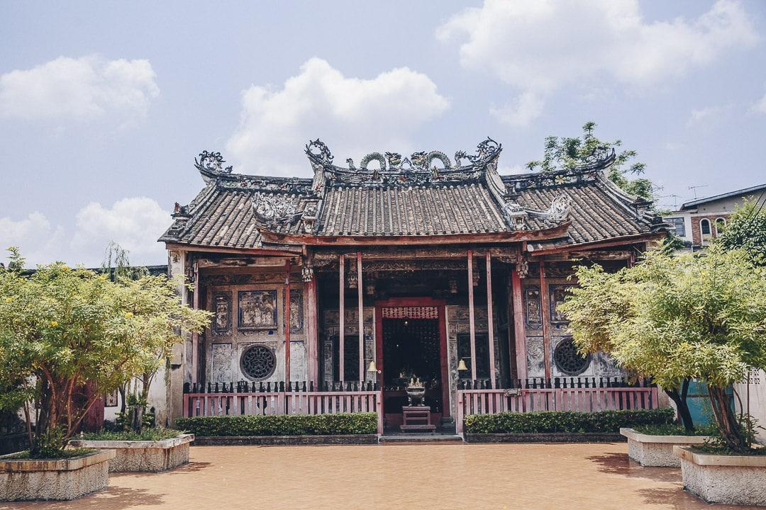 Le temple Kian An Keng dans le quartier de Kudee Jin est ma petite découverte de mon dernier séjour à Bangkok #thailande #bangkok