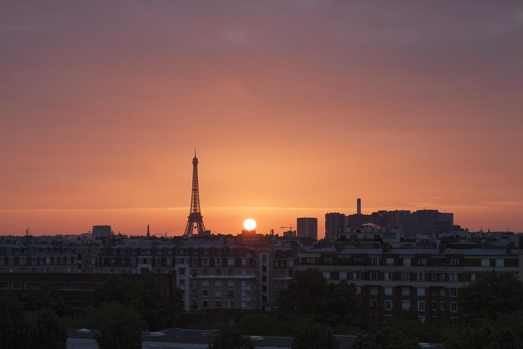 Quitter Paris et la plus belle vue du monde - Lever de soleil sur la tour Eiffel #paris #france