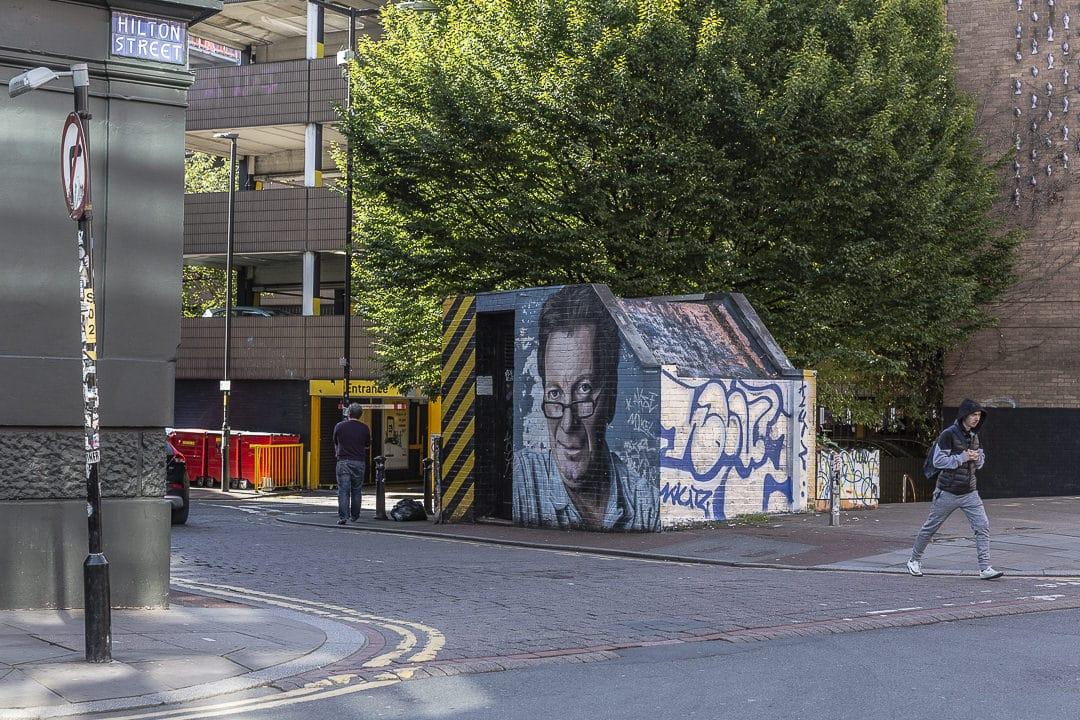 Mr Manchester peint par le street artiste de Manchester Akse #streetart #bestofMCR #lovegreatbritain