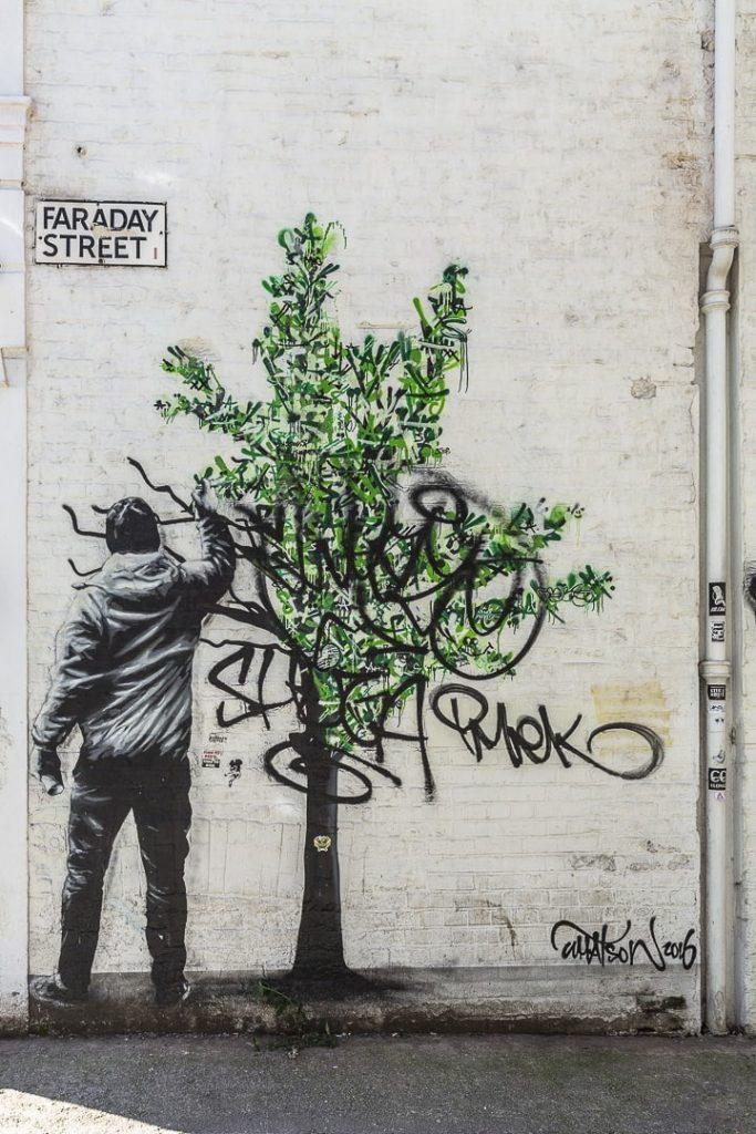 Oeuvre de street art du norvégien Martin Whatson #streetart #besfofMCR #lovegreatbritain