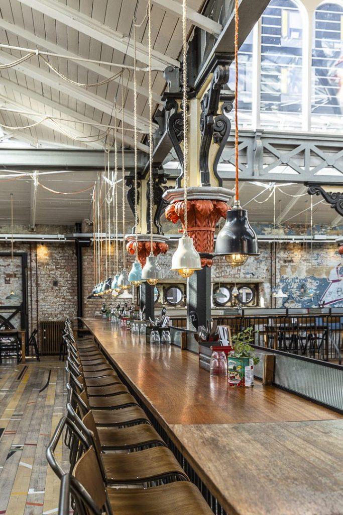 La sublime décoration industrielle de Mackie Mayor dans le northern quarter de Manchester #bestofMCR #lovegreatbritain