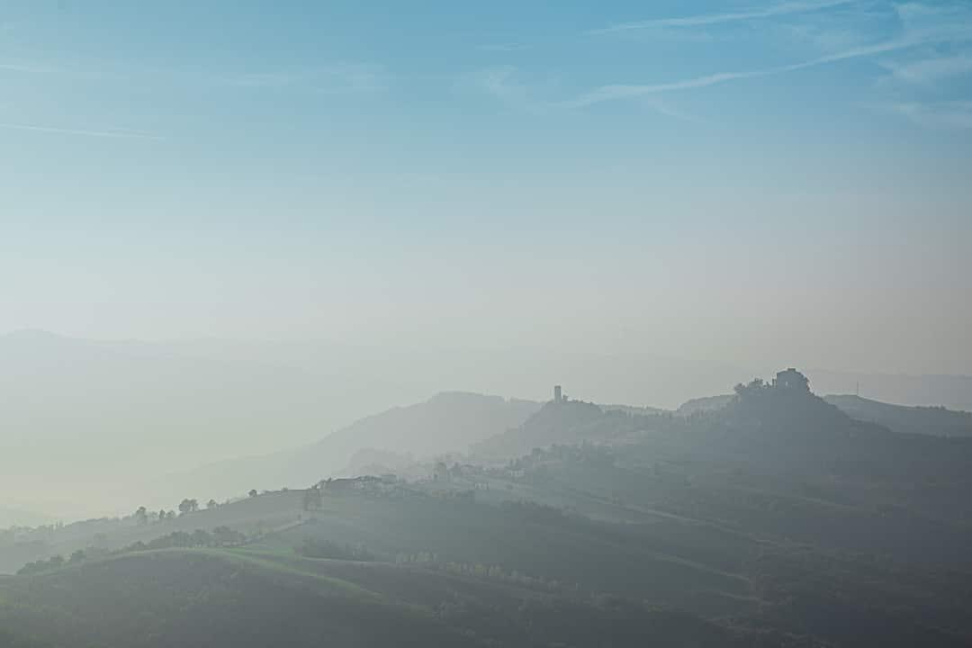 Vue depuis les ruines du chateau de Canossa dans la province de Reggio Emilia en Emilie Romagne