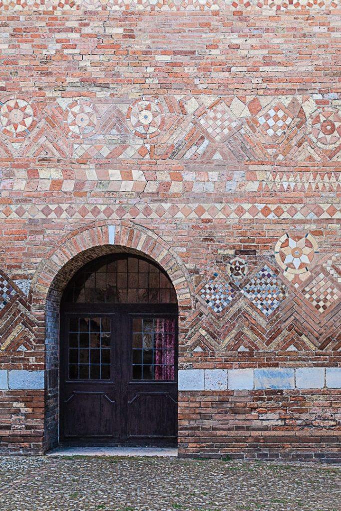 Détail du cloitre de Santo Stefano à Bologne #italie #inemiliaromagna #bologne