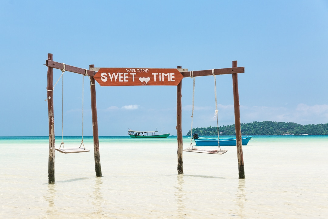Saracen Bay, la plage paradisiaque du Cambodge. Elle se trouve sur Koh Rong Samloem