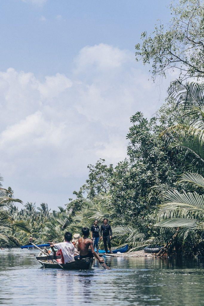 La cathédrale verte, un canal à la végétation luxuriant à découvrir à Kampot au Cambodge