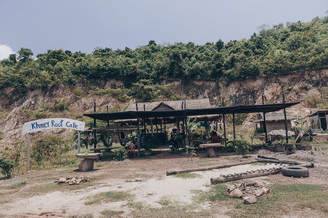 Une petite pétanque au Khmer root café à Kampot, ça vous tente ?