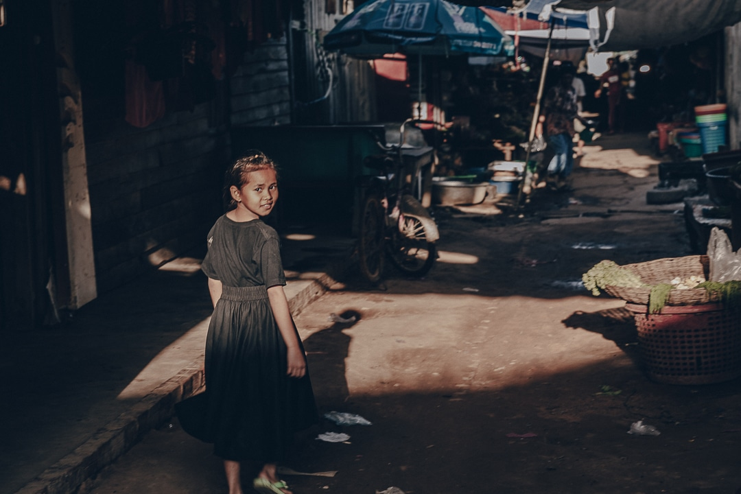 Petite fille gracieuse à Banteay Chhmar - Cambodge