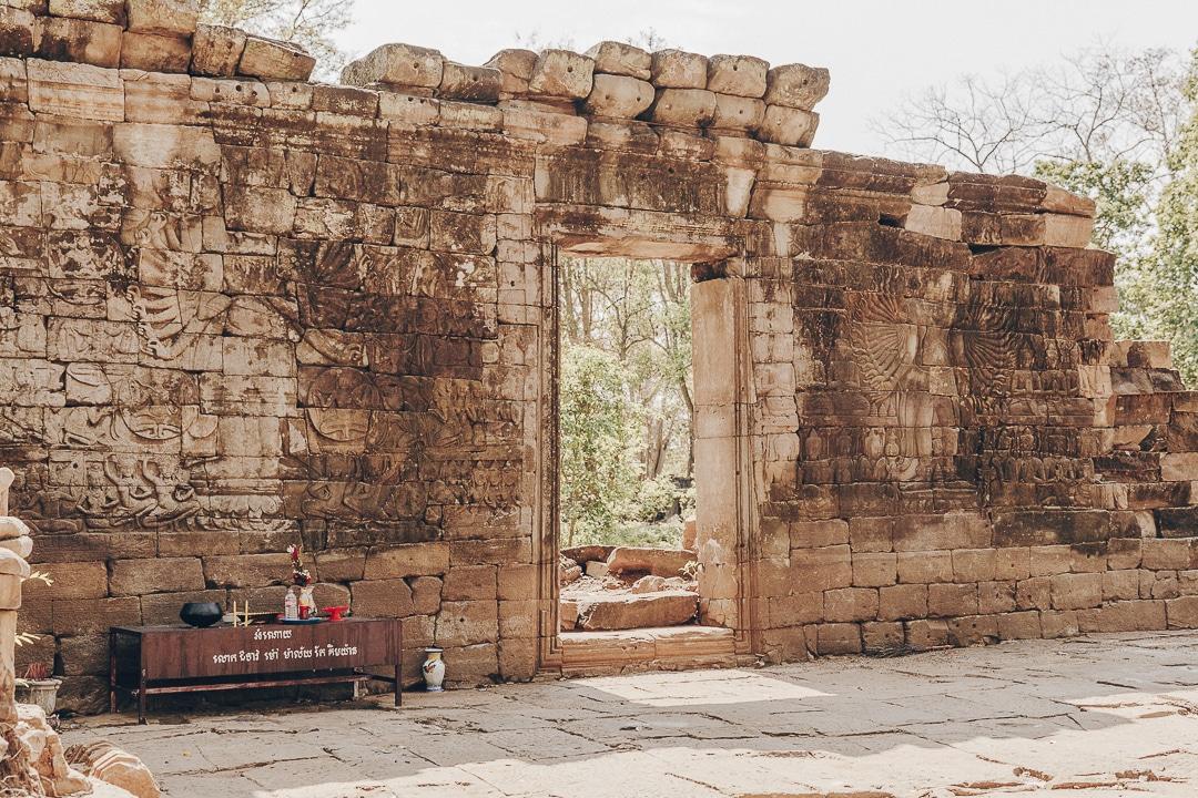 Sublime mur dans le temple de Banteay Chhmar #cambodge