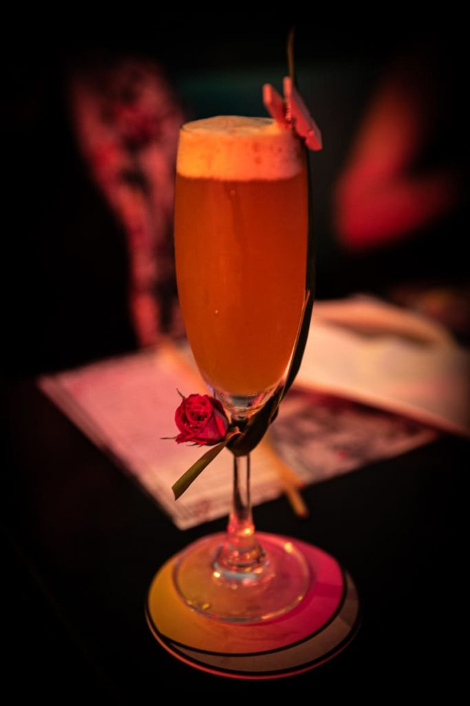 Où boire un verre à Hong Kong ? Mrs Pound pour se cocktails aux noms exotiques #discoverhongkong #hongkong
