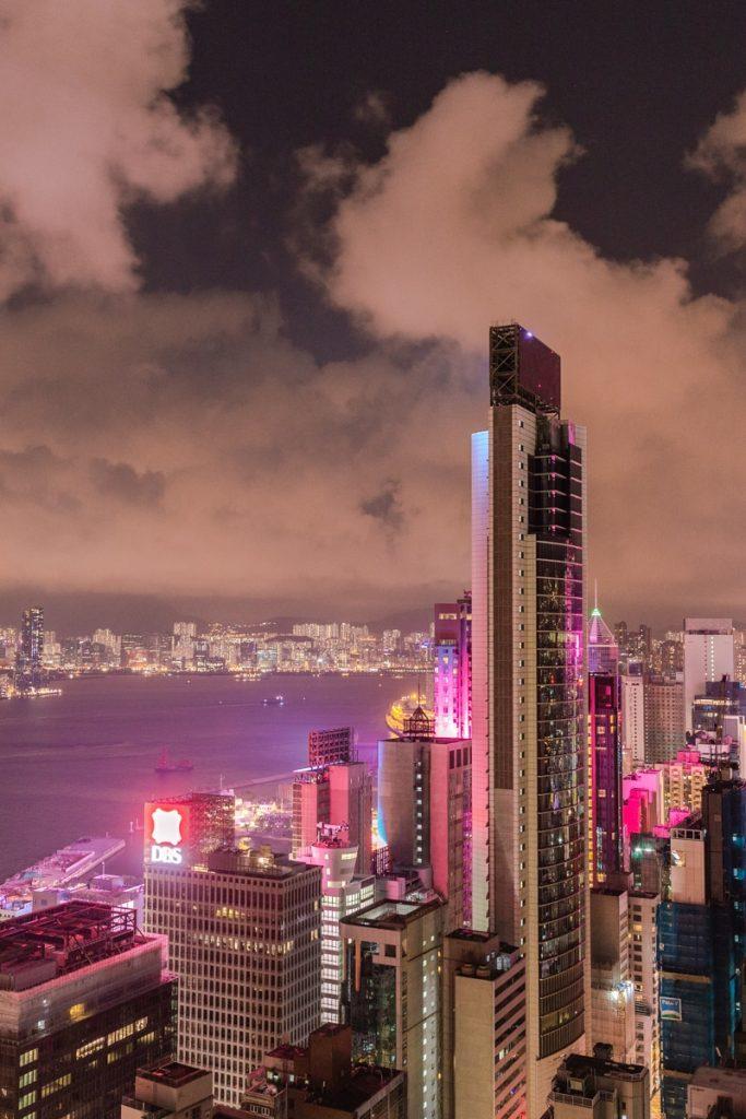 Quel rooftop à Hong Kong ? La terrasse du wooloomooloo offre une vue panoramique sur la Skyline