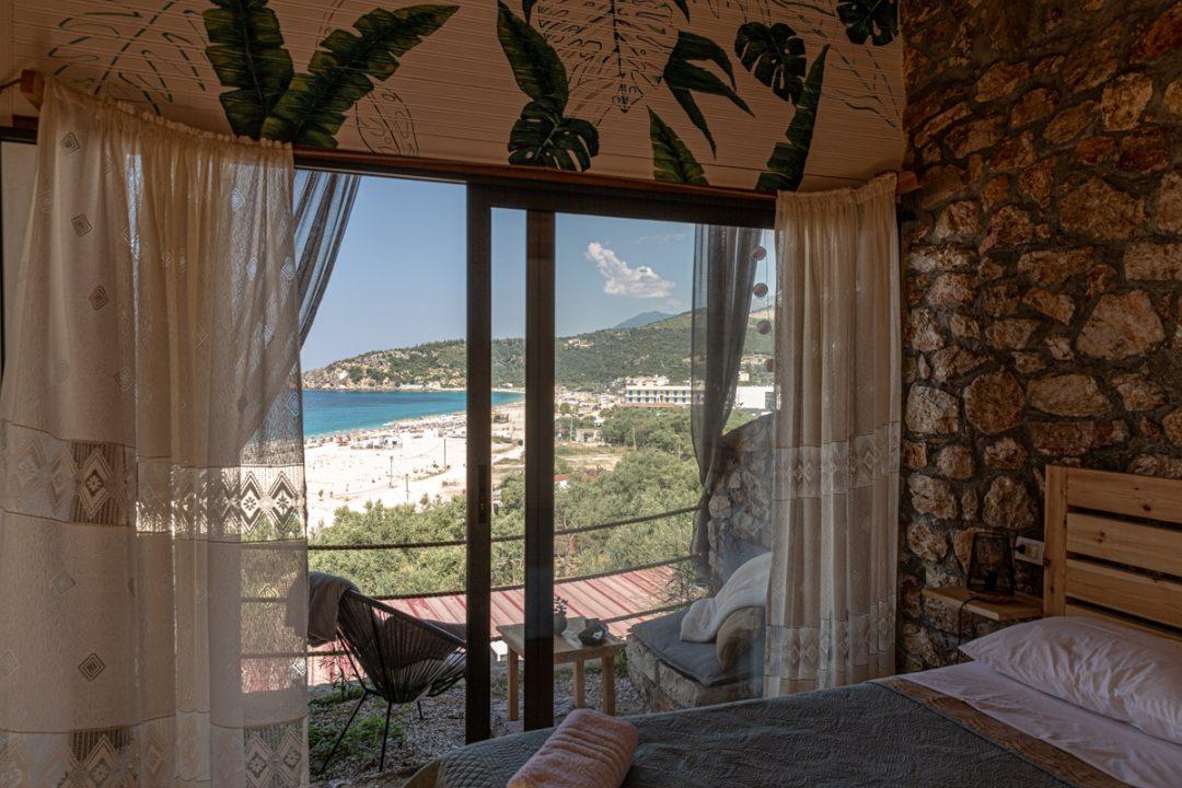 Scala Bungalow, une jolie pension située au bout de la plage de Livadhi en Albanie