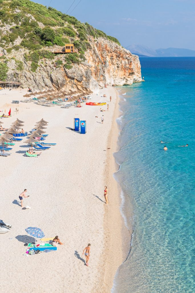 Gjipe beach sur la côte Adriatique en Albanie