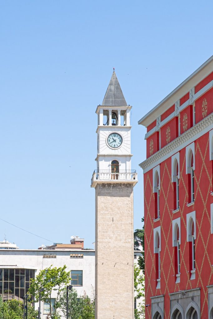 Tour de l'horloge à Tirana, Albanie