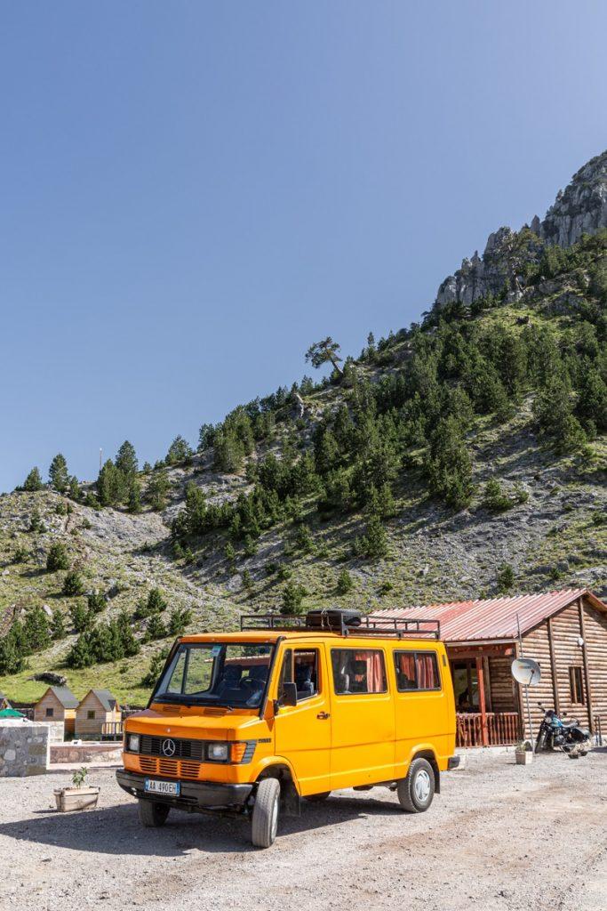 Bus 4x4 pour aller à Theth en Albanie