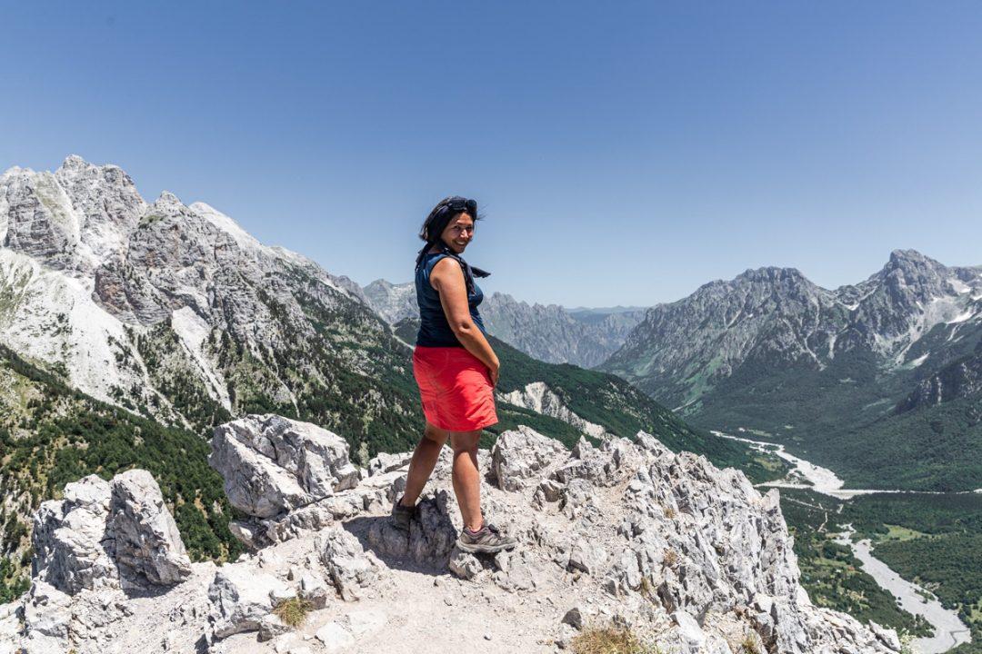 Arrivée au col de Valbona lors de ma randonnée en Albanie