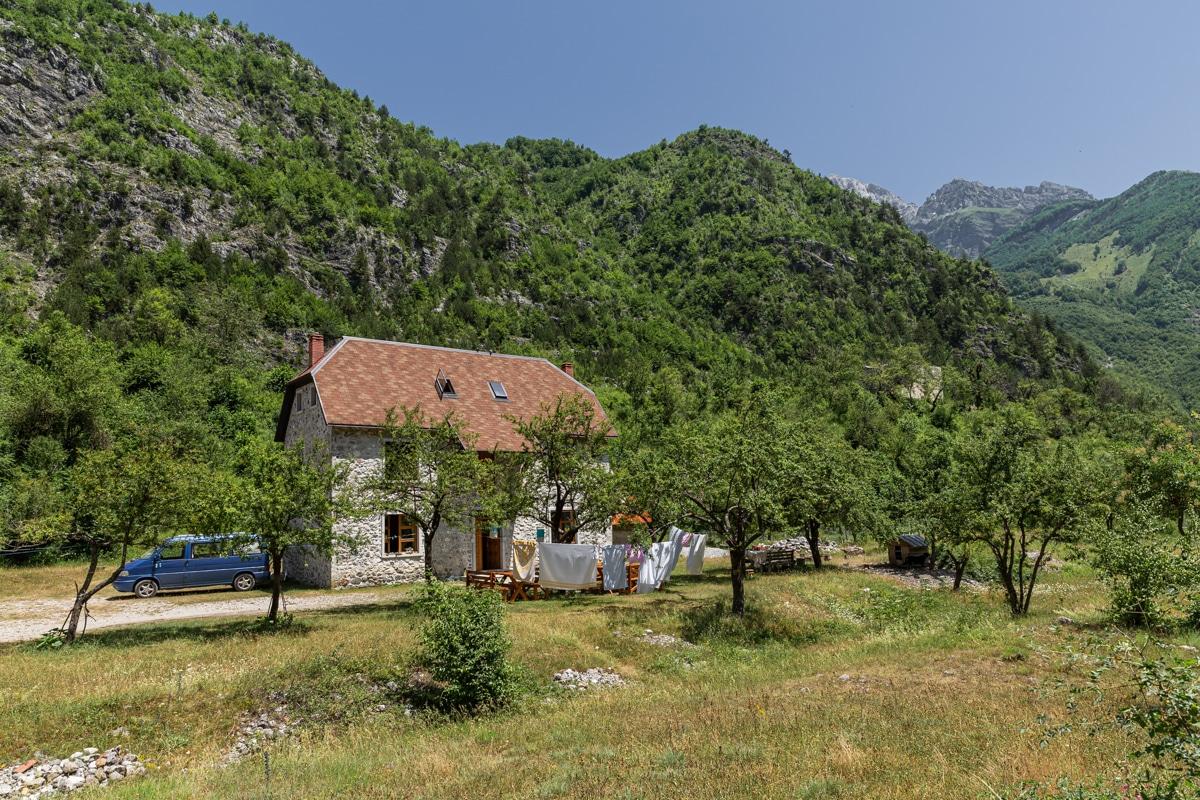 Rupa Guesthouse, une pension où dormir avant de faire la randonnée entre Theth et Valbona