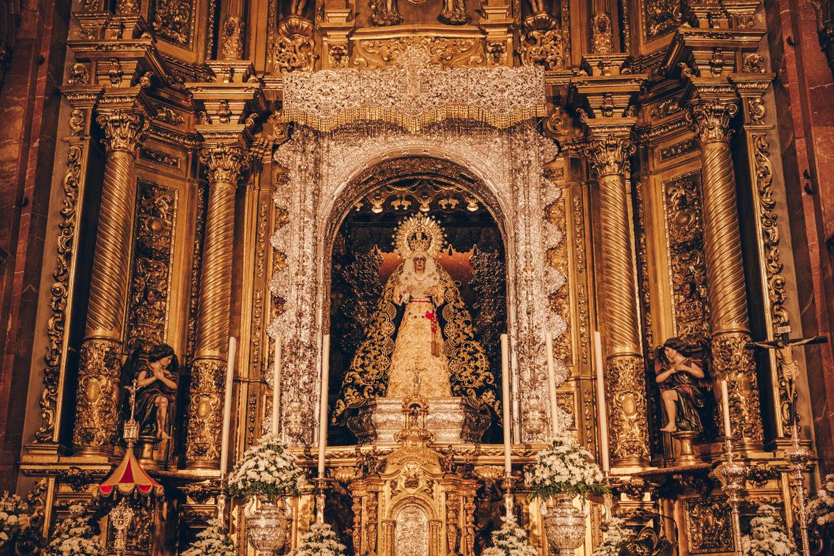 Vierge de la Basilique de la Macarena à Séville