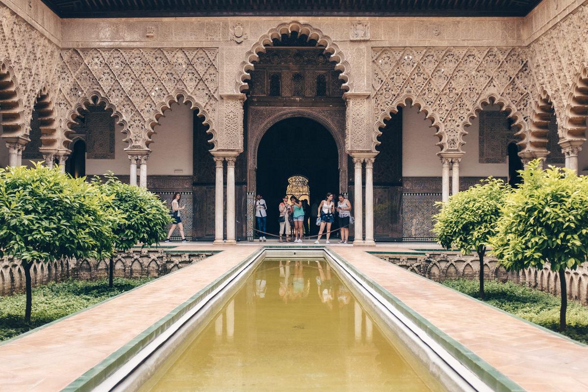 Patio du Real Alcazar à Séville - Espagne