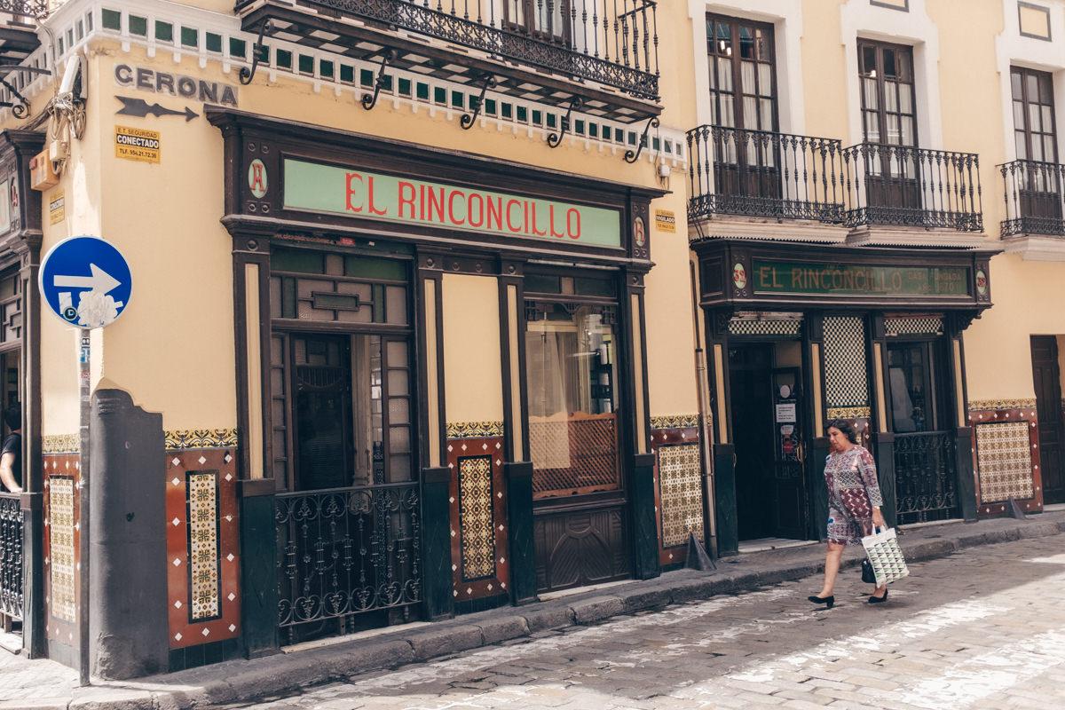 Façade du bar El Rinconillo, une institution de Séville