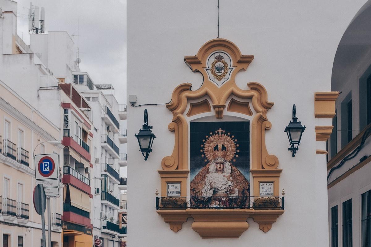 Les vierges sont partout dans les rues de Séville