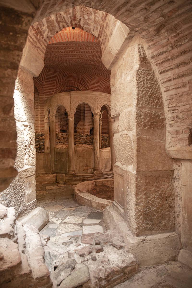 Thessalonique : crypte de l'église Agios Dimitrios où l'on trouve d'anciens bains romains Grèce