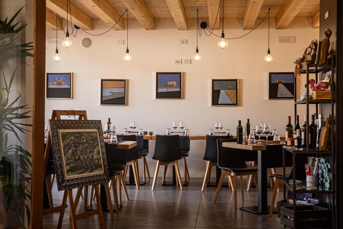 Intérieur du restaurant Locanda del delta à Comacchio en Emilie-Romagne en Italie du nord