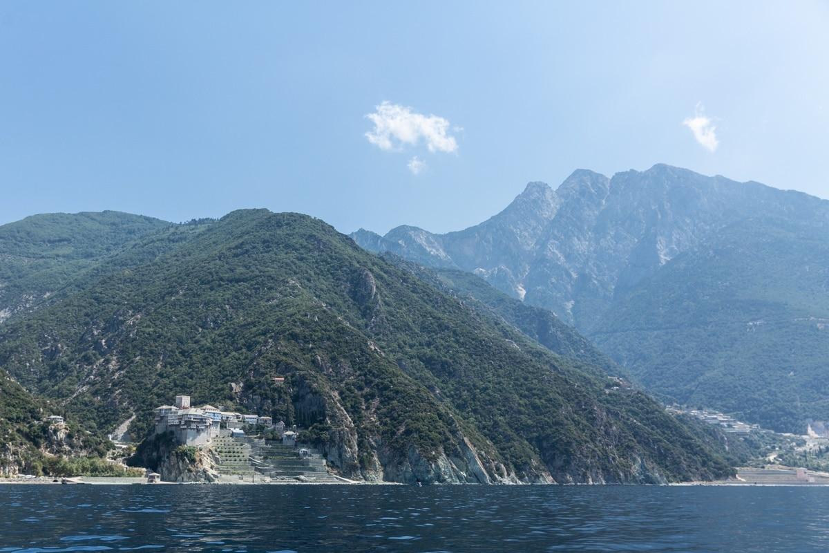 Monastère du mont Athos, une montagne sacrée de Grèce continentale inscrite au patrimoine mondial de l'humanité pour ses 20 monastères orthodoxes