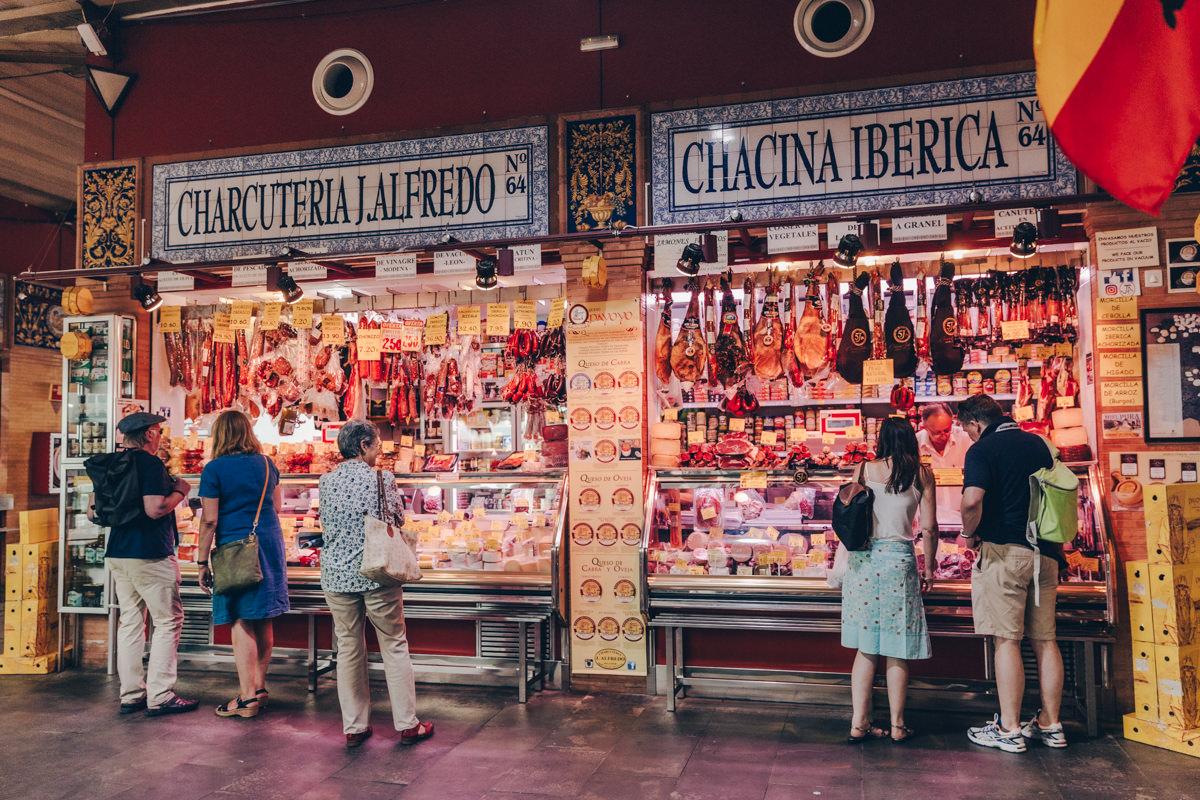 Charcuterie du marché de Tiriana à Séville
