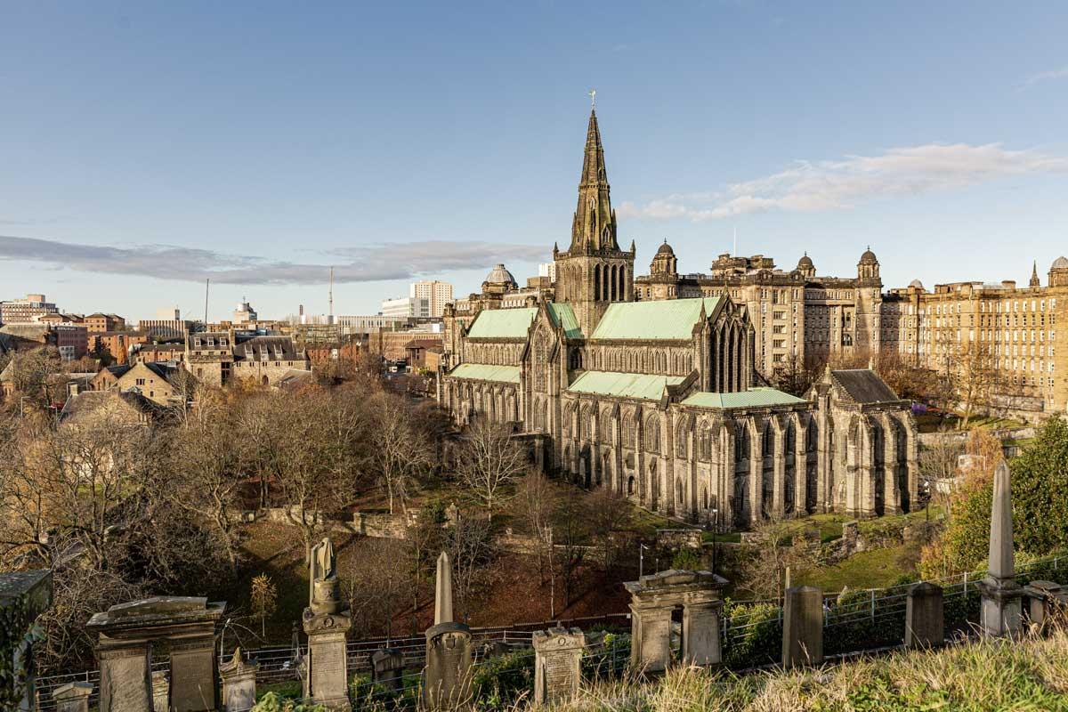 Cathédrale Saint Mungo de Glasgow vue de la nécropole