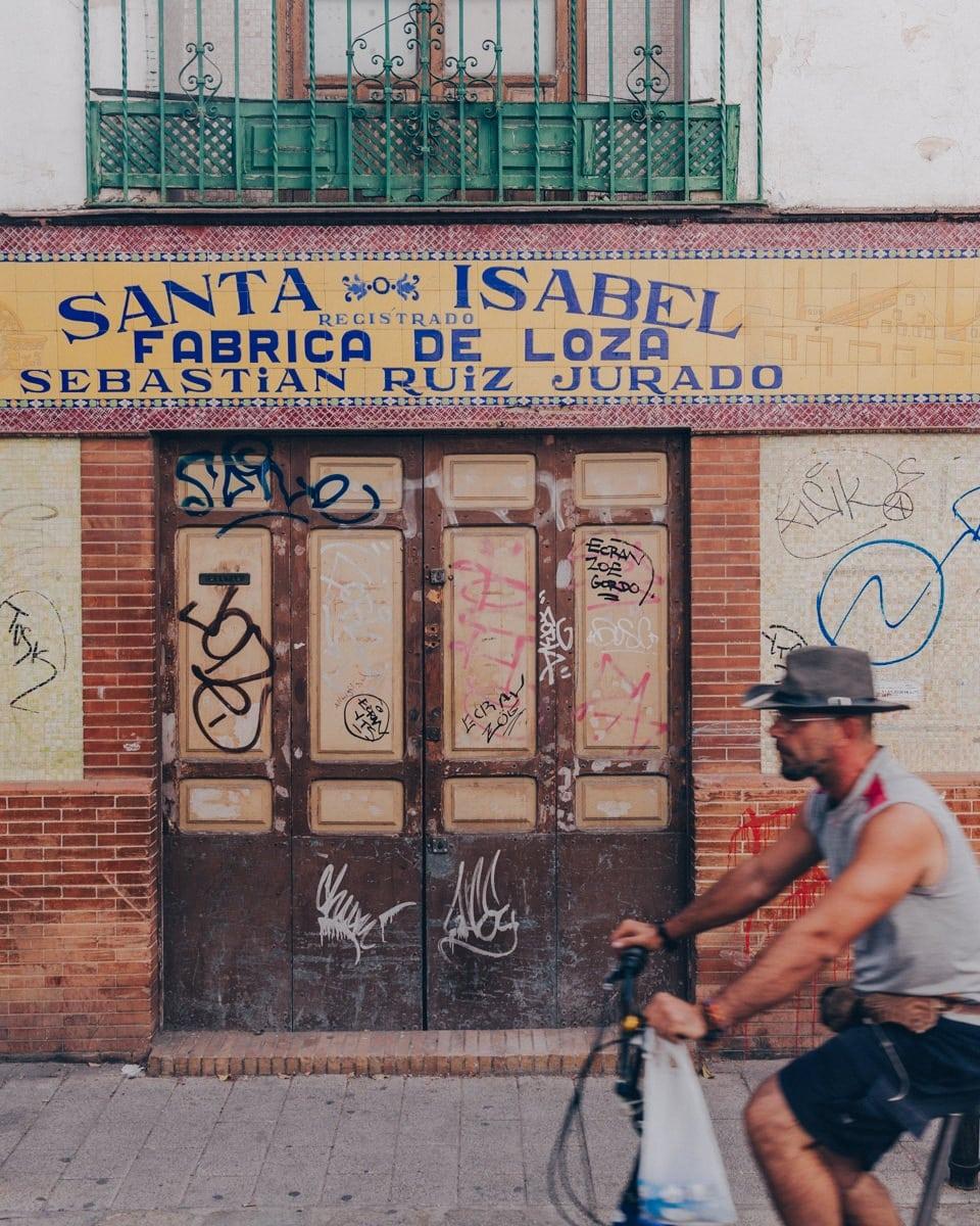 Façade avec des azulejos à Triana, Séville