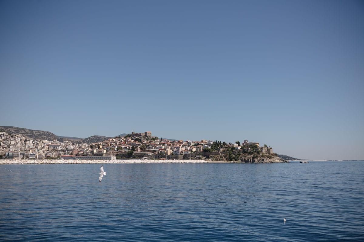 Vue sur Kavala depuis le ferry de Thassos #grèce