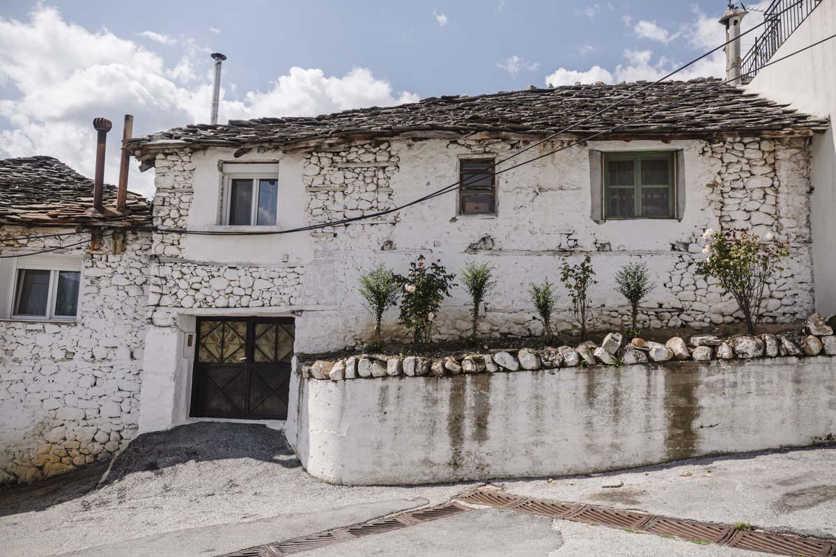 Maison dans le village de montagne de Dimario en Grèce